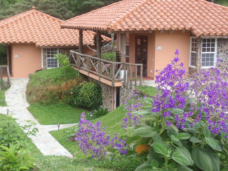 The Casitas - Casa Bermuda, Altos del Maria, Panama - Thruppence - Sora - rentals
