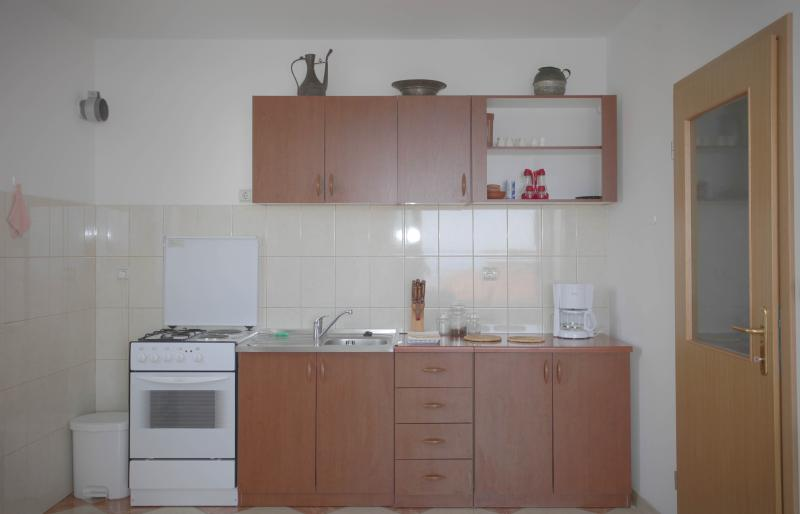 Apartments Mila Orange A6 - Image 1 - Makarska - rentals