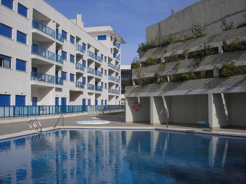ALICANTE Luxury Resort BEACH&CITY,Pool, Wi-fi - Image 1 - Alicante - rentals