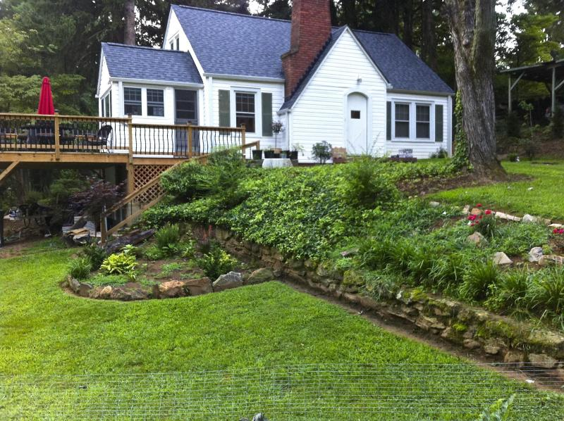 Keeling City Cottage - West Asheville Romantic Restful Retreat - Asheville - rentals