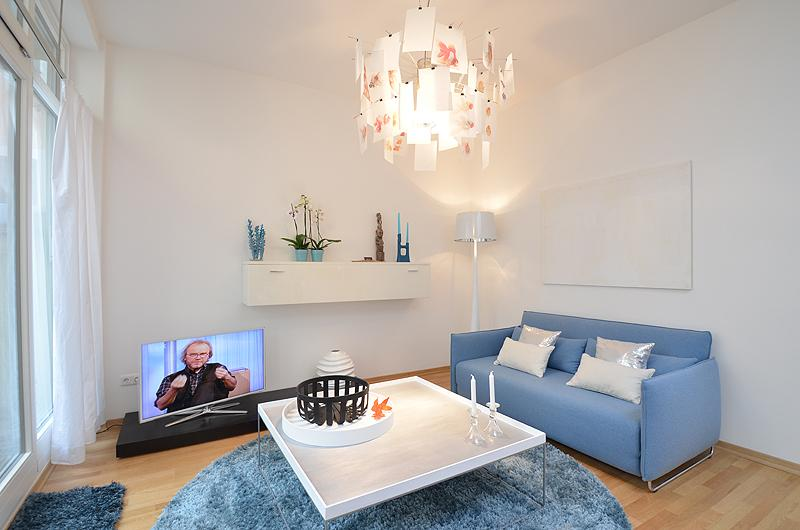 Living room - 'Damai' exclusive Designer Apartment in the center - Munich - rentals