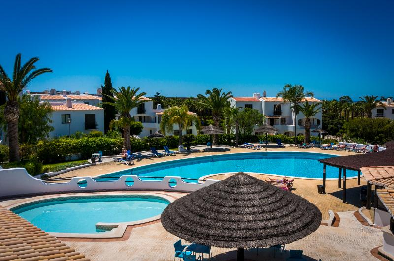 Swimming Pool - Beautiful flat with pool and 5 min walk to beach - Albufeira - rentals