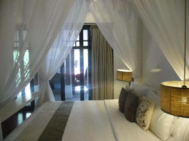 Beautiful 1 Bedroom Beachfront Villa - Image 1 - Koh Samui - rentals