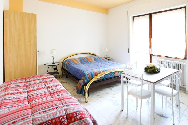 BEAUTIFUL PLACE NEAR ST.PETER, all inclusive room - Image 1 - Rome - rentals
