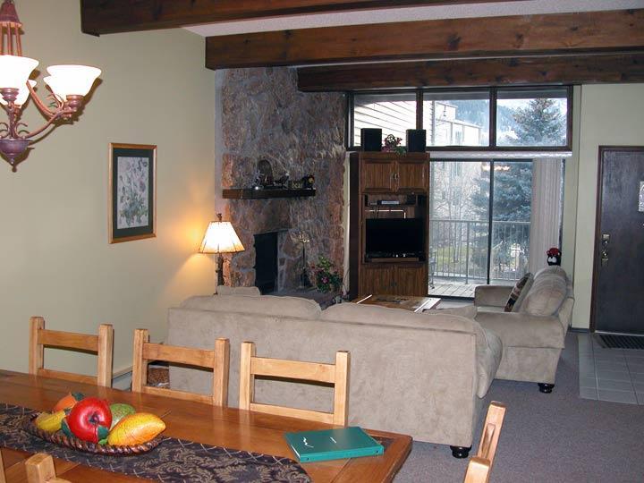 BC West 12 w/ FREE Skier Shuttle - Image 1 - Avon - rentals