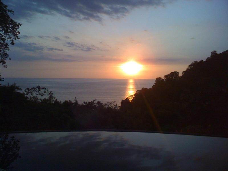 Incredible sunsets view from house overlooking the infinity pool - Garden House by the Beach - Manuel Antonio National Park - rentals