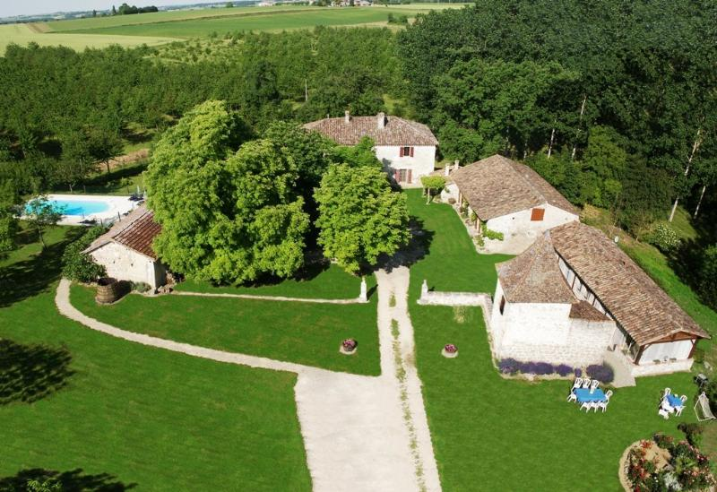 Aerial view of the property  # 1 - Gites of Pehillo - Nerac - (Aquitaine - FRANCE) - Nerac - rentals