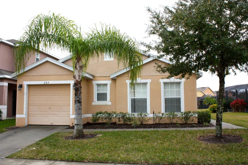 Villa - Charming 3 Bedroom, 3 Bathroom Home with Private Pool - Davenport - rentals