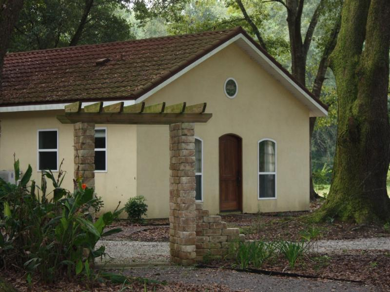 Stay in a cozy and luxurious retreat with a farm environment. - Farm Stay: Come Stay with Us - Fairhope - rentals