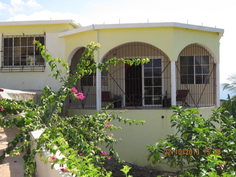 Hill Top Villa (HTV) - Private 2 bed Hill Top Villa to rent rural Jamaica - Saint Elizabeth - rentals