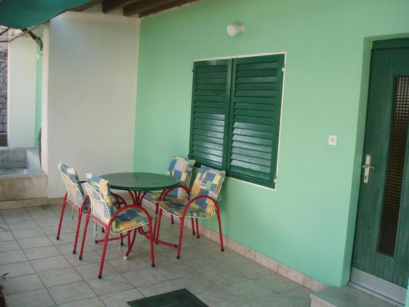 Apartment 3+2, only 70m from beach! - Image 1 - Brela - rentals