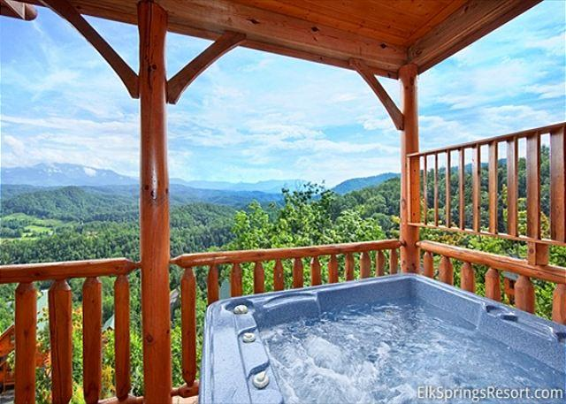 Experience Amazing Views, Free WIFI, Hot Tub, Pool Table & Jacuzzi - Image 1 - Sevierville - rentals