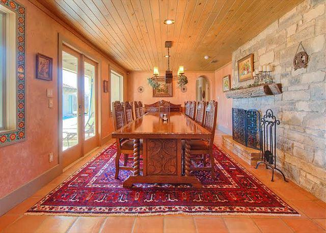 Dining - 7BR/6BA Beautiful Ranch Home With Lakefront Views - Briarcliff - rentals
