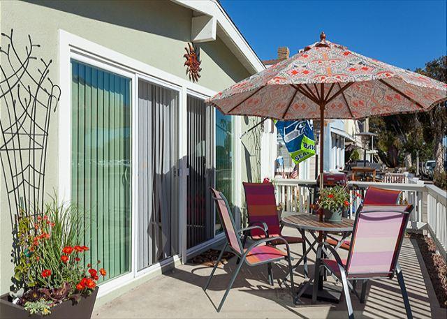 Adorable 2 Bedroom, 2 Bath Ground Floor Unit in the Heart of Newport! (68355) - Image 1 - Newport Beach - rentals