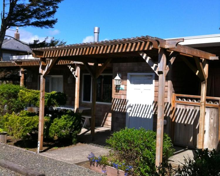 Ocean Spray -  Sandals Spa Suite & Oceanside Cabana - Image 1 - Cannon Beach - rentals
