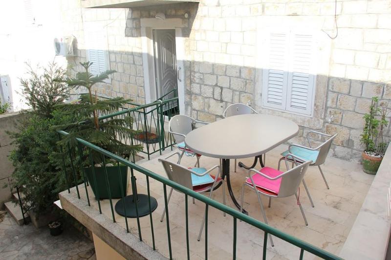 Apartment Emma - Image 1 - Makarska - rentals