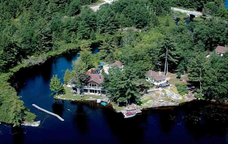 The Property - The Loon - Muskoka - Tea Lake Cottages - Coldwater - rentals