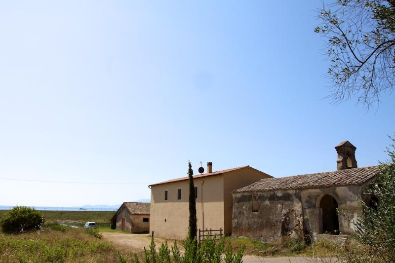 Podere Santa Francesca with the bay of talamone in the background - Talamone, Historic Farmhouse by the Sea - Talamone - rentals