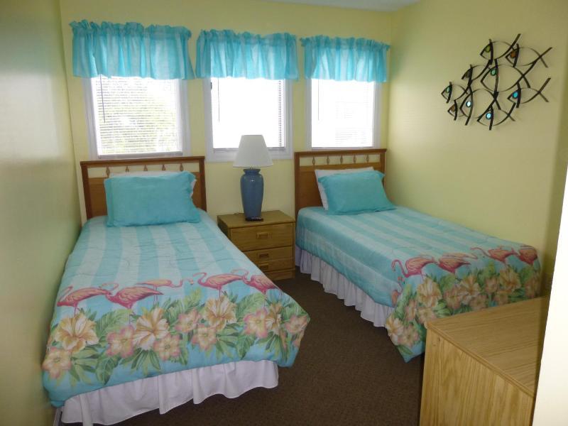 guest bedroom - Beautiful 2 Bedroom Condo at Myrtle Beach Resort - Myrtle Beach - rentals