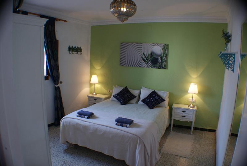Lovely townhouse in old center of Conil with WIFI - Image 1 - Conil de la Frontera - rentals