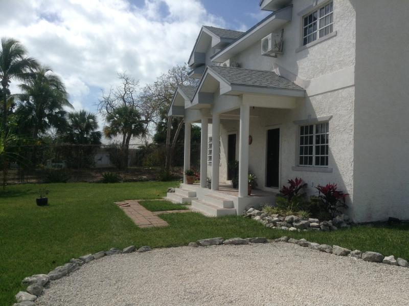 Duplex Townhouse - Private Paradise: Townhouse 10min walk to beach... - Nassau - rentals