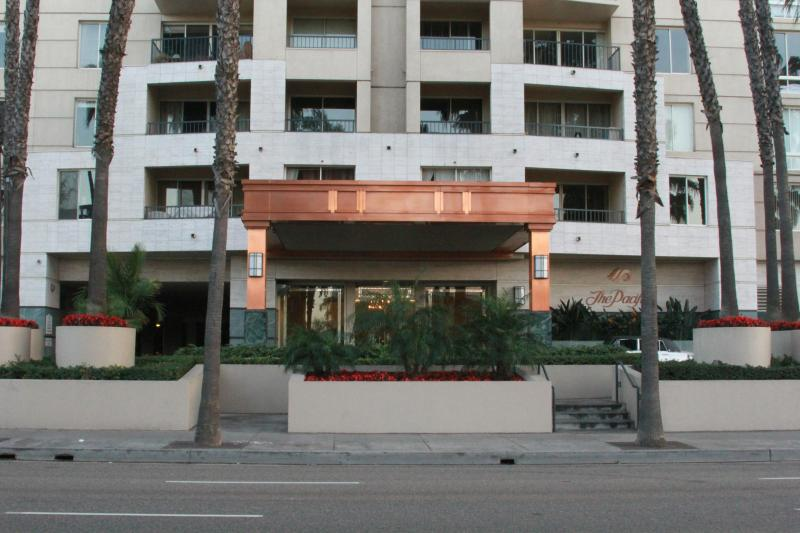 LUXURY HIGH-RISE OCEAN  CONDO(SECURITY $ REQUIRED) - Image 1 - Long Beach - rentals