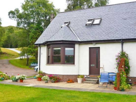house front - Laragain Cottage,Upper Banavie, Fort William. - Fort William - rentals
