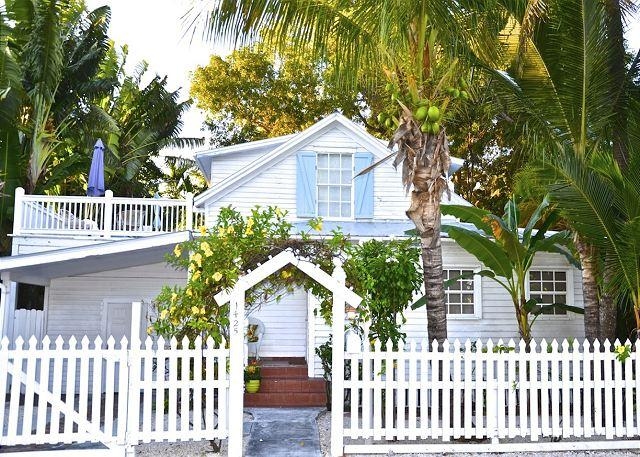 """""""BEACH CLUB BREEZE""""  Monthly Rental - Two Story Home w/ Sun Deck & BBQ Grill - Image 1 - Key West - rentals"""