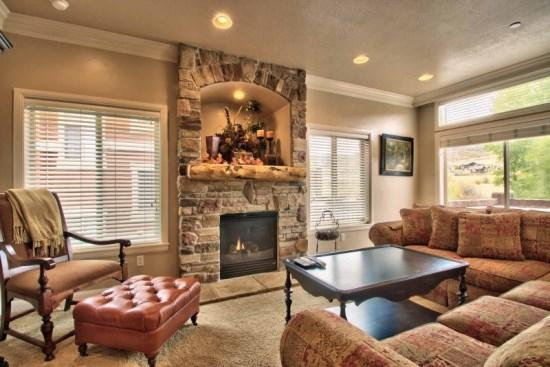 Snowbasin View Huntsville Condo | Luxury 4 Bedroom | Lakeside Unit 48 - Image 1 - Huntsville - rentals