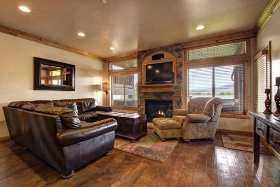 Lakefront Huntsville Condo | Luxury 3 Bedroom | Lakeside Unit 54 - Image 1 - Huntsville - rentals
