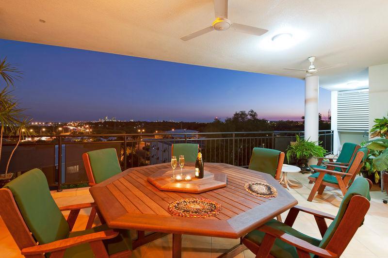 Balcony setting - View of Darwin - one of world's top 10 cities - Darwin - rentals