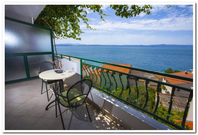 Apartmani Kunac: Apartment 2 - Image 1 - Podgora - rentals