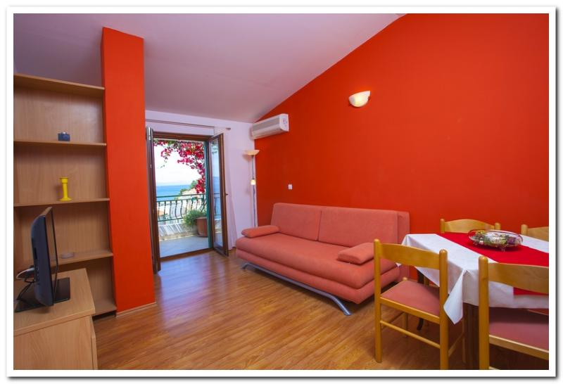 Apartmani Kunac: Apartment 3 - Image 1 - Podgora - rentals