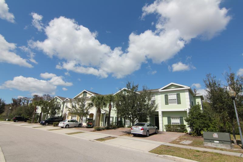 Your villa in the gated Resort - Coral Cay Resort - Gated 5 Bedroom Home, sleeps 12, 6mi to Disney, Wi - Kissimmee - rentals