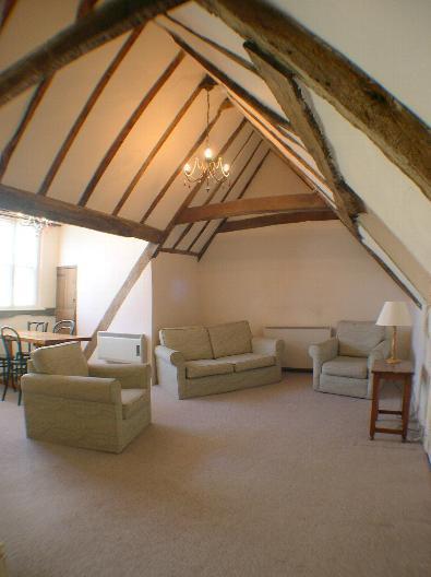 Living Room - Canterbury City - 1 Bedroom Self Catering Apartment - Canterbury - rentals