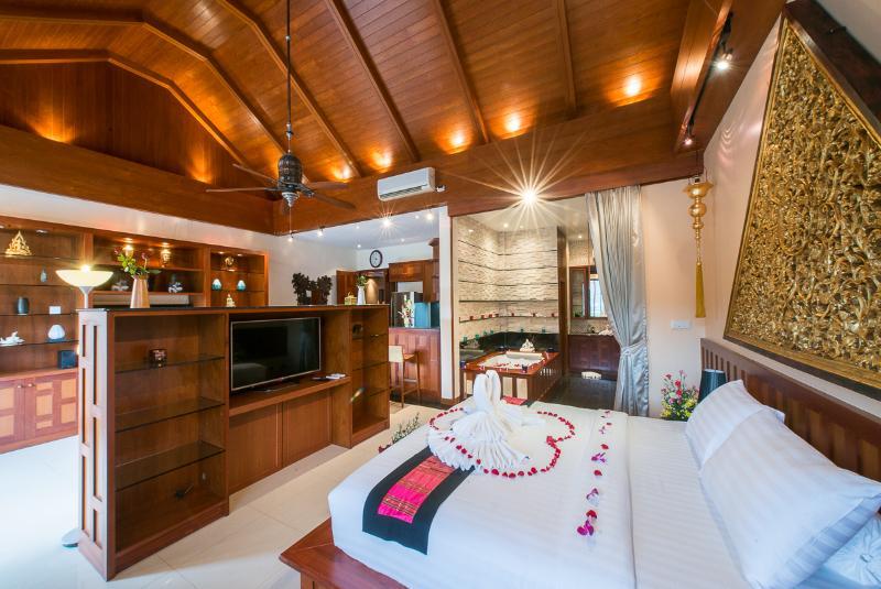 Master Bedroom on Middle Level 100 SQM - Luxury 6-13 Bedroom Pool Villa, Phuket, Thailand - Kamala - rentals