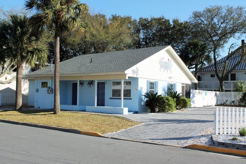 1102 Butler Avenue - Tybee Blue Crab Cottage - Small Dog Friendly - Hot Tub - FREE Wi-Fi - Image 1 - Tybee Island - rentals