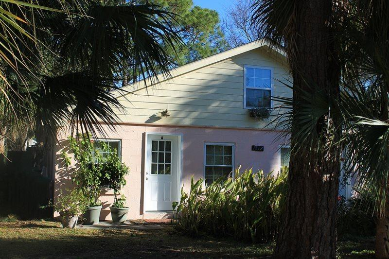 1312-A Miller Avenue - An Easy Walk or Bike Ride to the Ocean or Back River - FREE Wi-Fi - Image 1 - Tybee Island - rentals
