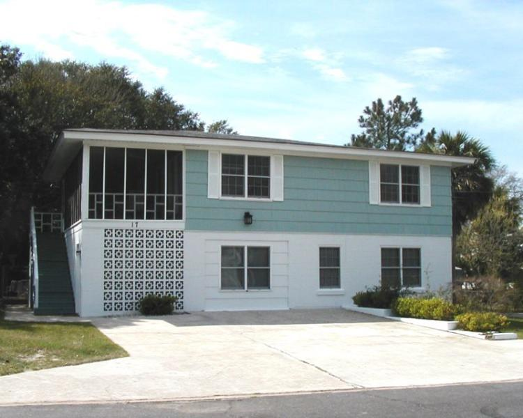 #17 13th Street - Less than a Block from the Beach - FREE Wi-Fi - Image 1 - Tybee Island - rentals