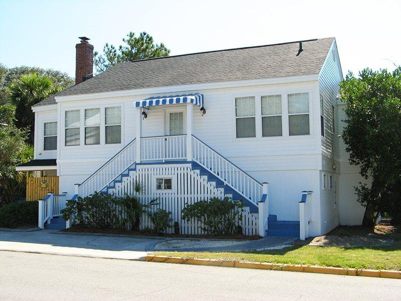 #19 13th Street - A Great Tybee Beach House in a Terrific Location - FREE Wi-Fi - Image 1 - Tybee Island - rentals