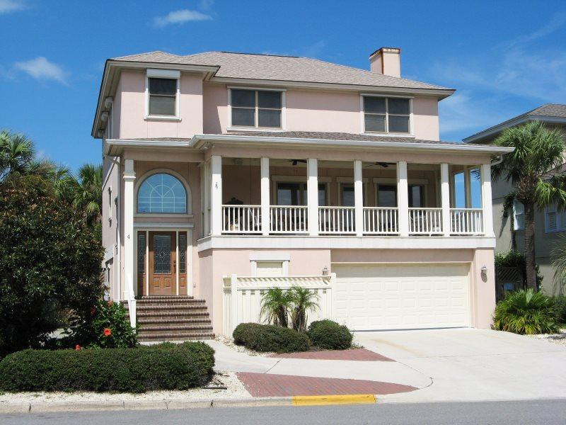 #4 13th Street - 2nd House from the Beach - Custom Woodwork Throughout - FREE Wi-Fi - Image 1 - Tybee Island - rentals