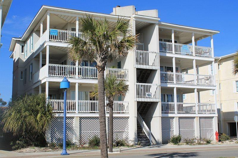 This condo features a spacious interior, large wrap-around balcony, panoramic views of Tybee Beach, its close to everything and steps to the beach - Pelican Point Condominiums - Unit 6 - FREE Wi-Fi - Tybee Island - rentals