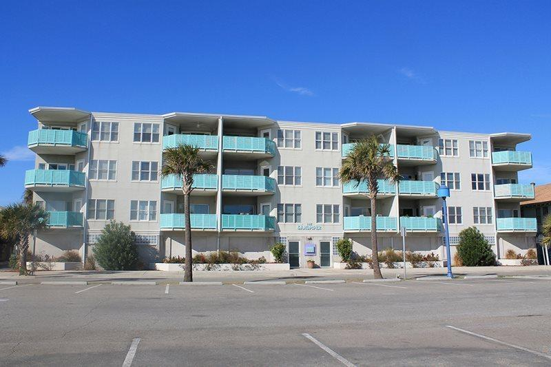 This deluxe condo complex is located ocean front in the heart of all the action and features panoramic views of Tybee Beach and the Atlantic Ocean - Sandpiper Condominiums - Unit 103 - FREE Wi-Fi - Ocean Front - Tybee Island - rentals