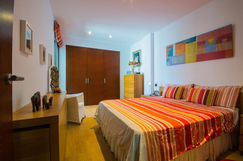 Lovely bedroom with a kingsize bed - Gorgeous apartment in Pollença town - Pollenca - rentals