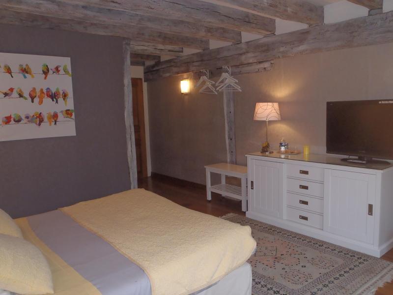 chambre 1 - Chambres d'hôtes du Domaine de Jacquelin - Bourges - rentals