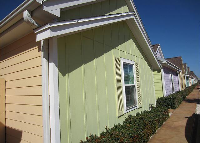 Front of Marquesas Townhomes - Enjoy this Cozy Cabana right outside the Schlitterbahn Entrance! - Corpus Christi - rentals