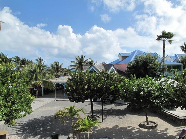Amerindiens 611... Orient Bay, St Martin 800 480 8555 - AMERINDIENS 611...situated in the heart of Orient Village, ST Martin - Orient Bay - rentals