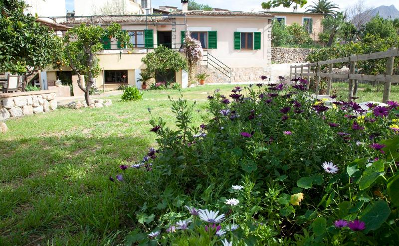 Beautiful house with garden and pool - Image 1 - Soller - rentals