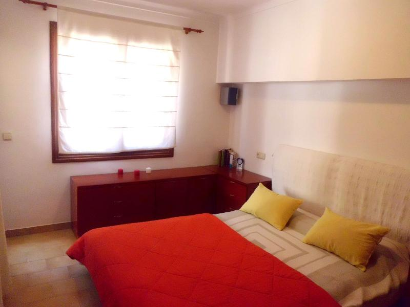 Nice double bed bedroom - Cozy apartment in Port of Pollença - Port de Pollenca - rentals