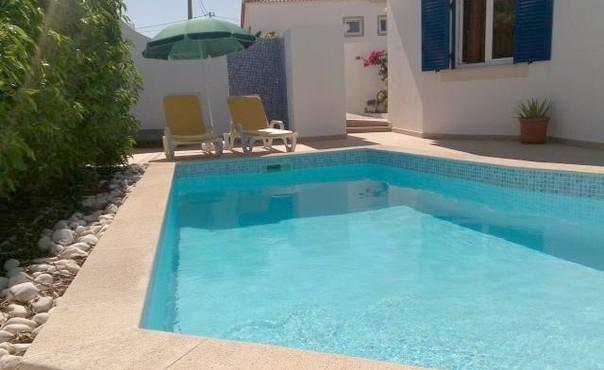 Holiday villa for up to 8 people in a  quiet location with private pool - PT-1077415-Carvoeiro-Portimão - Image 1 - Portimão - rentals